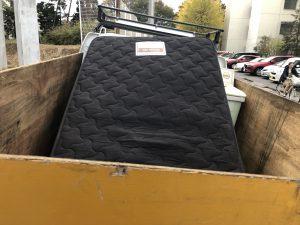 【千葉市中央区】ベッドマットレス1点の回収☆カード払いやご希望日での対応にご満足いただけました!