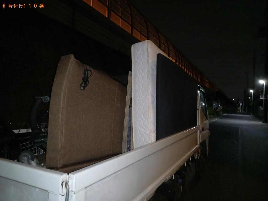 【成田市】遺品整理でマットレス付きセミダブルベッド、木製パネルの回収・処分